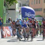 Montaguti sprinta, Thomas ancora leader. Highlights della 4° tappa