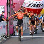 Ciclismo, Giro Rosa: Vos vince in volata anche a Terracina